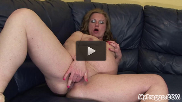 Pregnant Suzy Can`t stop fucking herself (2016)