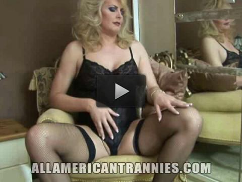 Curvy American Tranny Alison Dale - beautiful, online, america, mirror