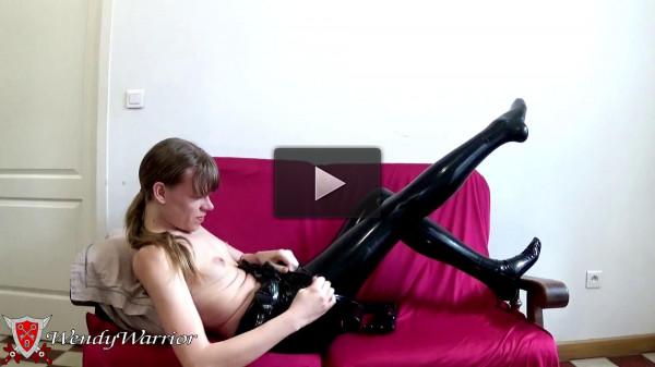 Wendy warrior in latex in heavy chastity belt