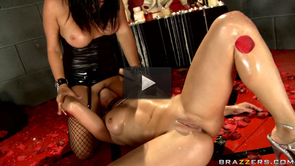 Passionate Girl Passes A Sexual Ritual
