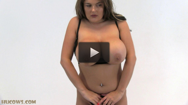 Busty show
