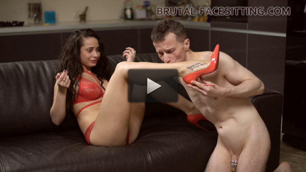 Facesitting by Kristall Rush (12.05.2017) (download, stunning, file, watch)