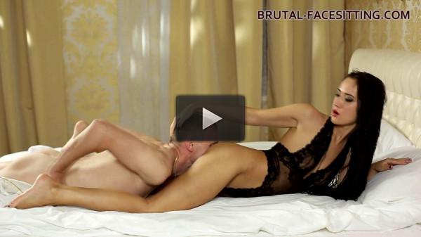 bed scene online facesitting (Angie Moon).