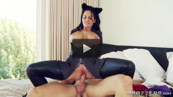 Sex Action With Hot Lady Maid