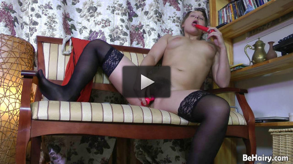 Babe with horny dildo urges
