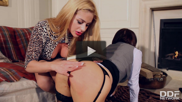 Hot, Kinky, And Glam: Lesbians Dominate Pussy Play