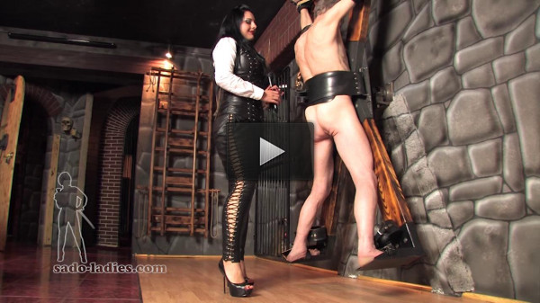 Mistress Ezada - Scratches.