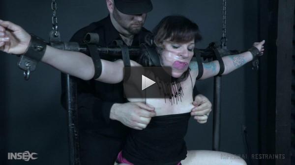 Sexy bondage enthusiast