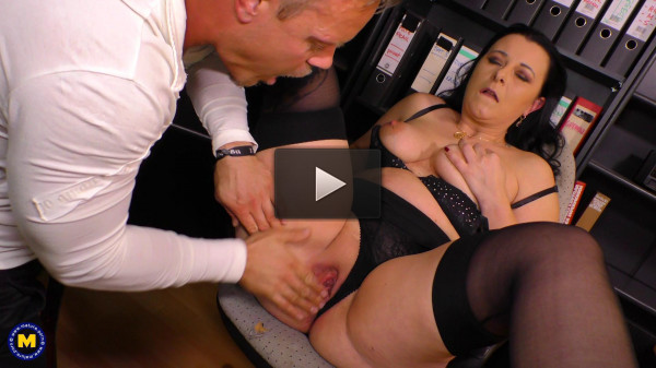 Bonny Devil loves getting fucked hard at the office