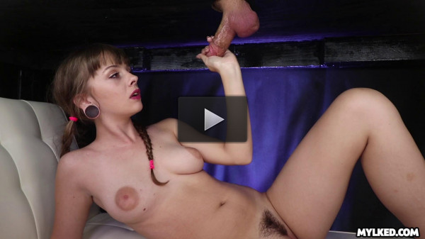 Lola Leda — Girls Cum First