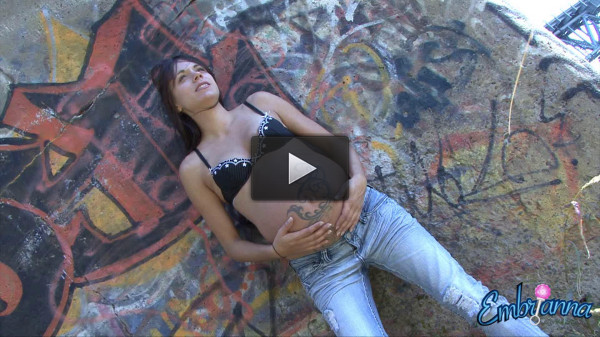 grafiti wall jeans