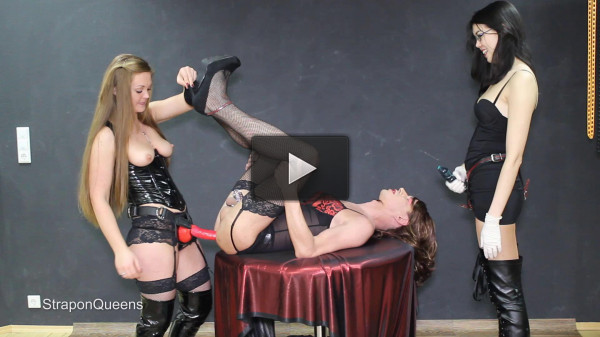 Queen Lissandra - Strap-on Roulette - Full HD 1080p (asshole, deep, tit, hard)