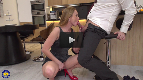 Nika — Horny housewife Nika fucking and sucking in her kitchen 1080p
