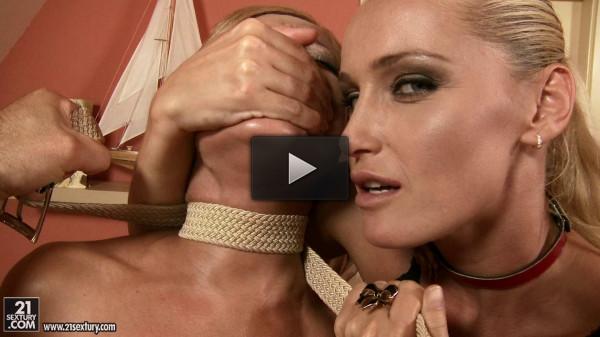 Szilvia Lauren, Kathia Nobili - online, video, deep.