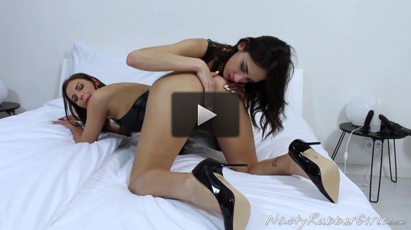 Rubber Lesbians - Breath Play Mask Part 1 - Jennifer & Miky - Full HD 1080p