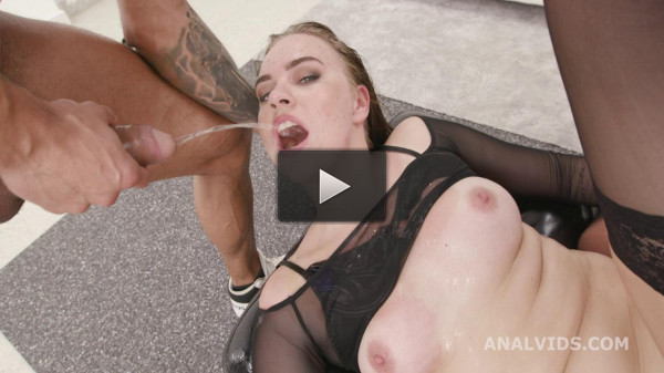 Destination goes Wet, Keira Flow Balls Deep Anal and Pee Drink — HD 720p