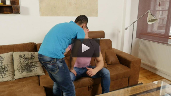 RandyBlue — nag Hung twink Martin Muse barebacks the fuck out of juiced up power bottom Peter