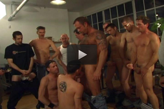 Amazing cocksuckers in orgy