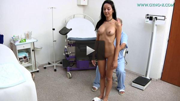 Francys Belle (33 years girl gyno exam)