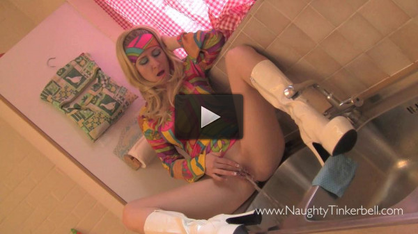 Wireless Repair Man Services Tinky�s Love-box - Scene 1