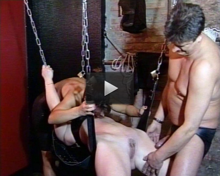 No gratitude in BDSM (mirror, slave, rub, bdsm)