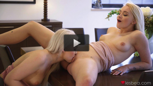 Lovita Fate, Marilyn Sugar — Beautiful natural young lesbians (2020)