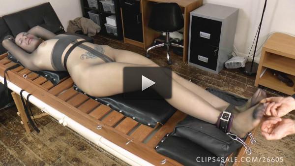 UKTickling — Liz's Full Body Nylon Tickle Madness!