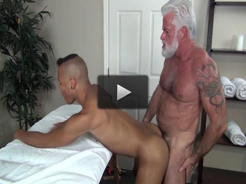 Rocco Steele«s Dad»s Bareback Massage — Jake Marshall & Calvin Collins