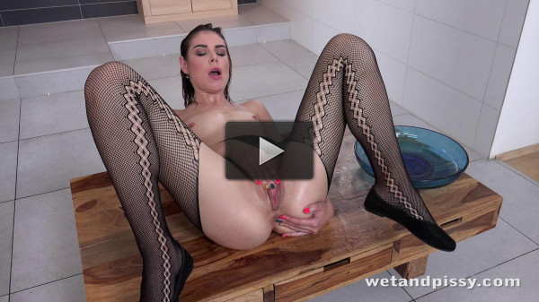 Jessica Bell in Powerful Piss Streams (10 Oct 2017).