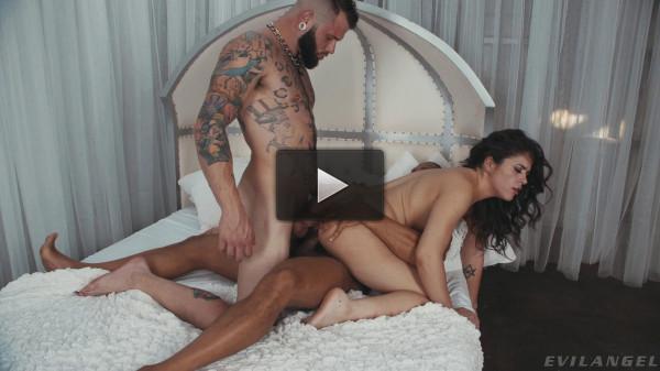 EA — Bisexual Threesome: Johnny Hill, Dillon Diaz & Victoria Voxxxs