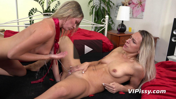 Bianca Ferrero and Claudia Macc Piss (2017) (big black, download, pussy licking, online, piss)