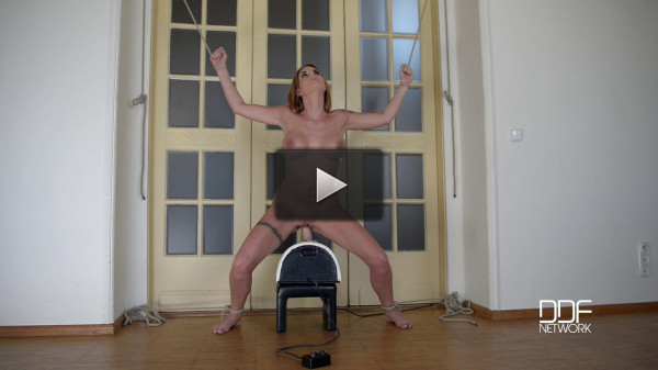 Marie Clarence — Fucked By A Machine — New Face Stuffs Her Pussy And Asshole