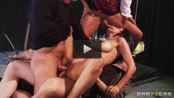 Hot Slutty Lady Who Can Handle Monster Cock