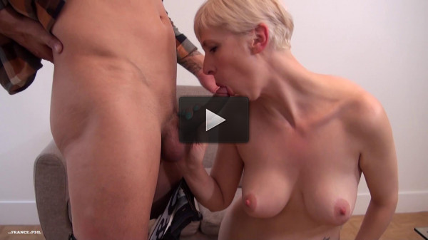 Eva Sin — A real amateur couple with a greedy big titted housewife (2019)