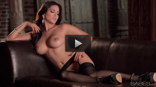 Ecstatic Orgasm(Sunny Leone) 1080p