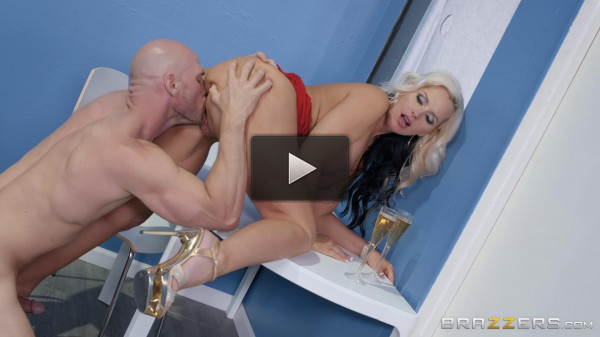 Alena Croft & Johnny Sins — Fucking The Ugly Duckling