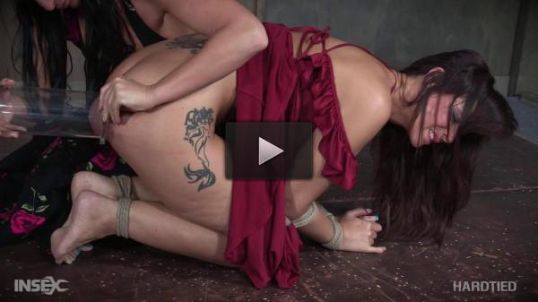 suck tits (Syren's Sucky Day - Syren De Mer and London River (2017)).